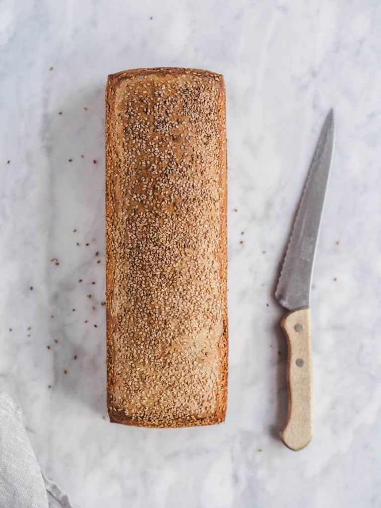 Fuldkornsbrød med sesam