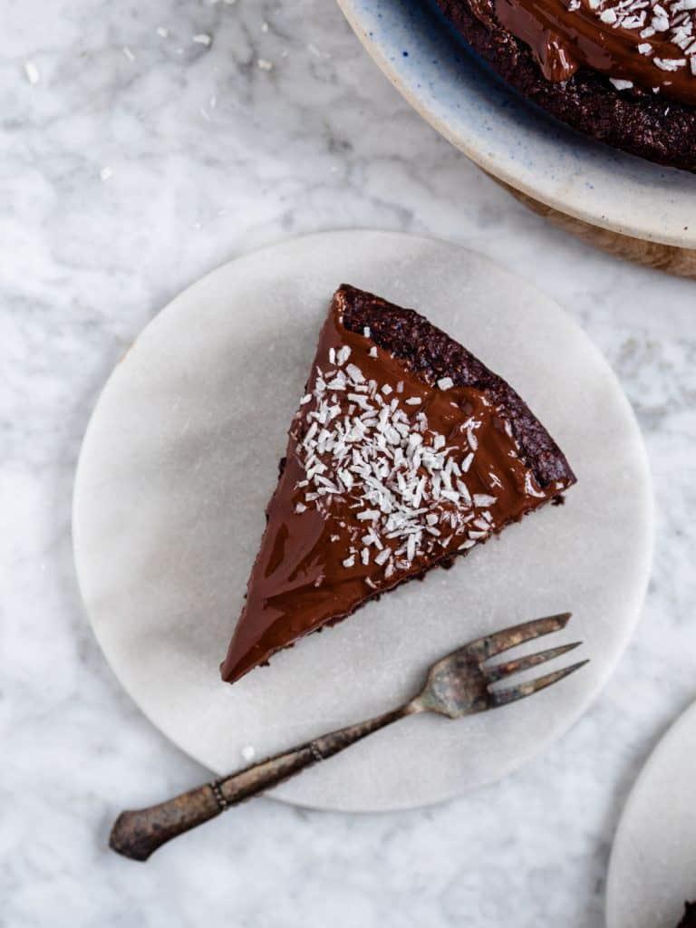 Sund chokoladekage med dadler
