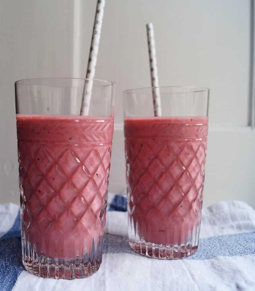 Hindbærsmoothie i glas