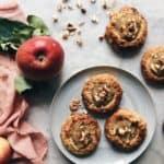 Scones med æble og mandler