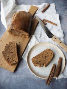 Kanelbrød uden mel og raffineret sukker