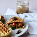 Vafler med grov oliventapanade - en idé til tapasbordet