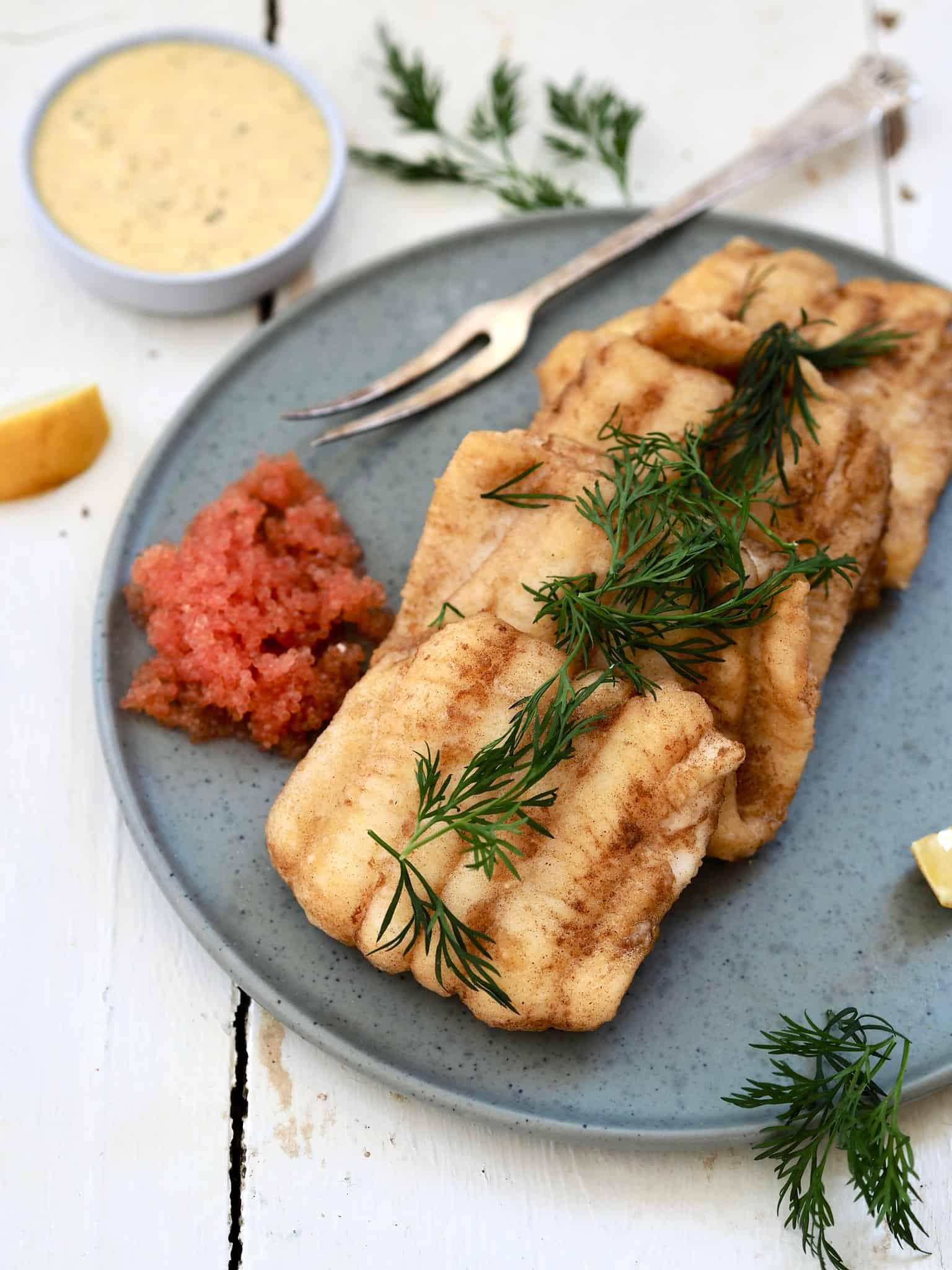 Hjemmelavet fiskefilet med sundere remulade