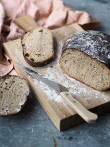 Surdejsbrød uden gær, bagt med manitobahvedemel