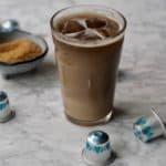 Iskaffe med toner af ristede nødder