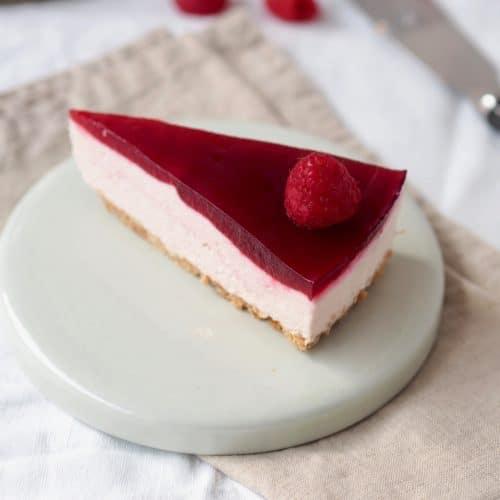 Hindbær cheesecake med klassisk kiksebund