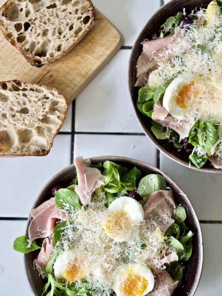 Frokostssalat med æg
