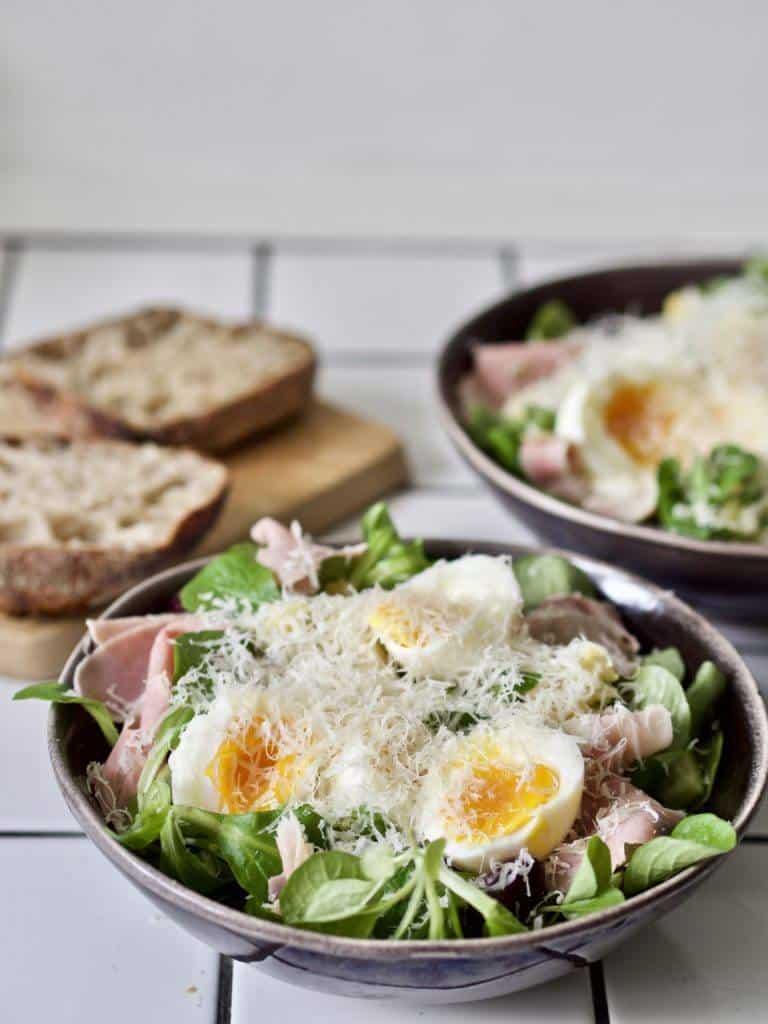 Salat med æg