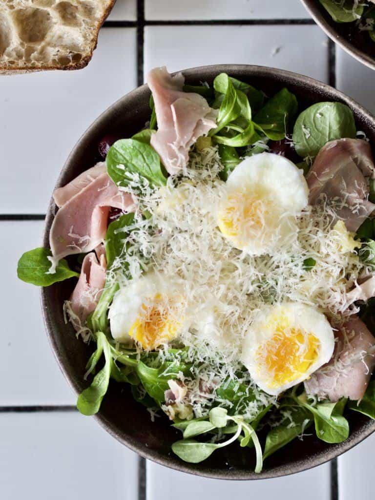 Simpel salat med æg