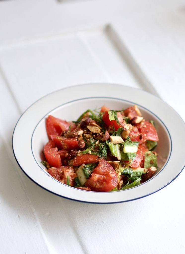 Salat med bagte tomater