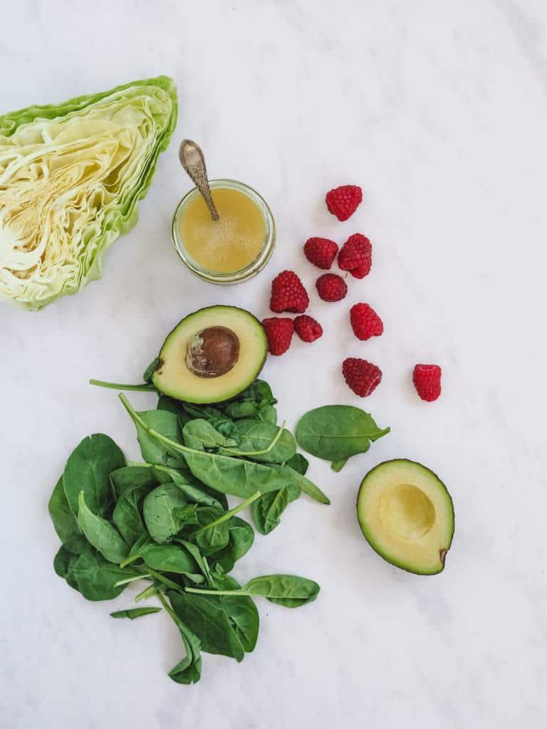 ingredienser til salat med baer