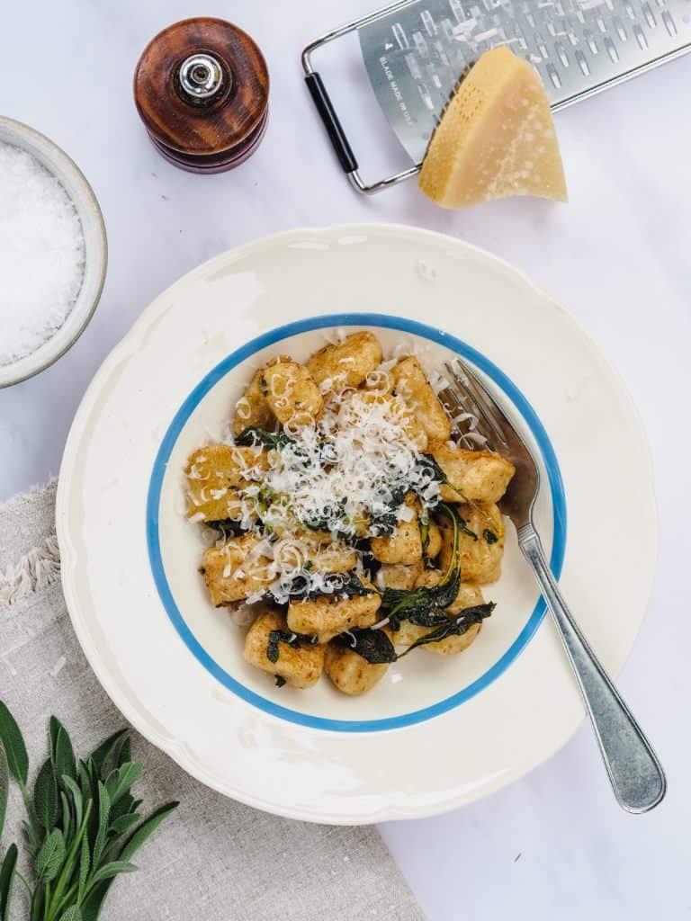 Gnocchi med salvie og brunet smør