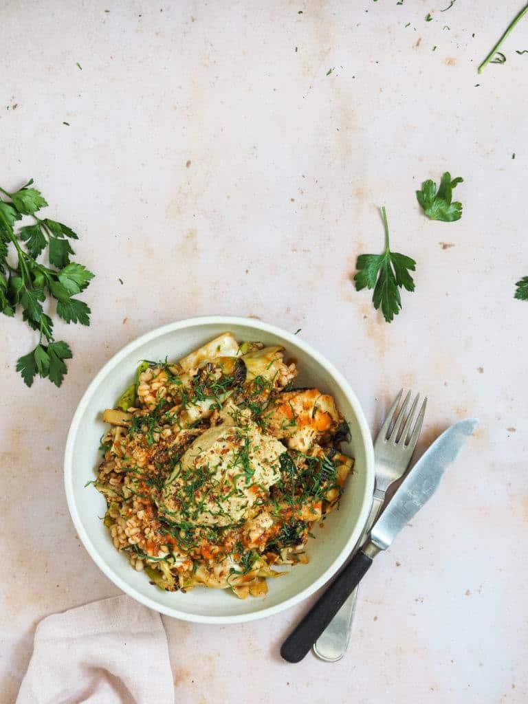 perlespelt salat med hummus