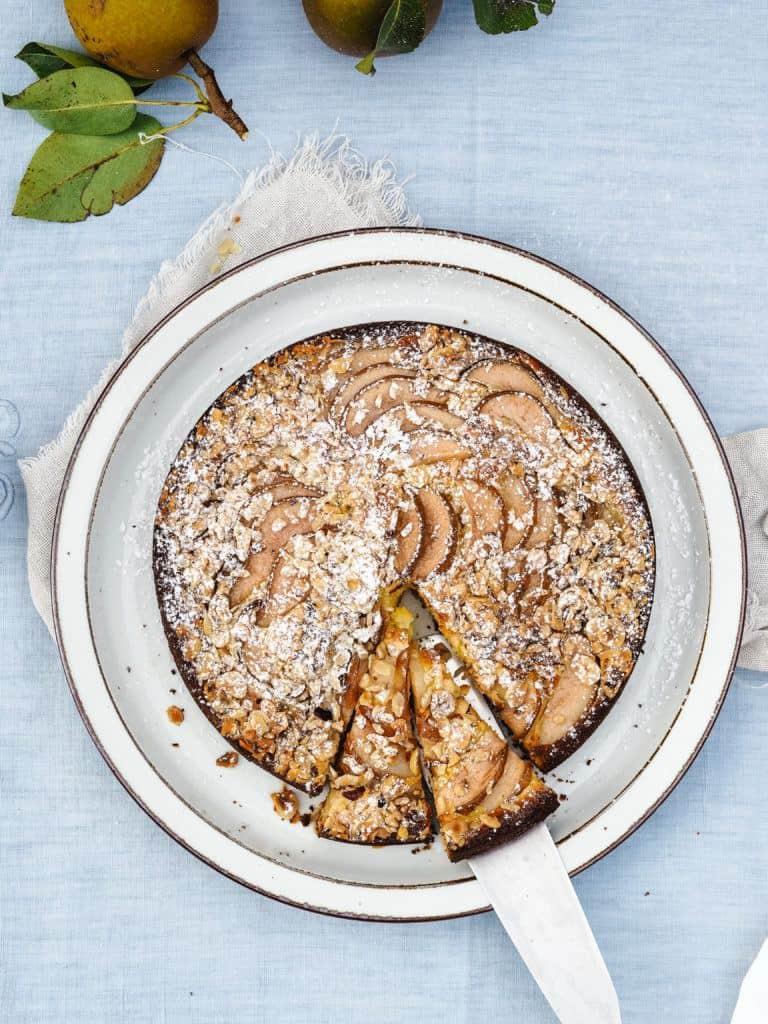 Pærekage med ricotta og nødder