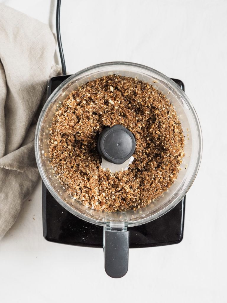 Ymerdrys blendes og bages i ovn