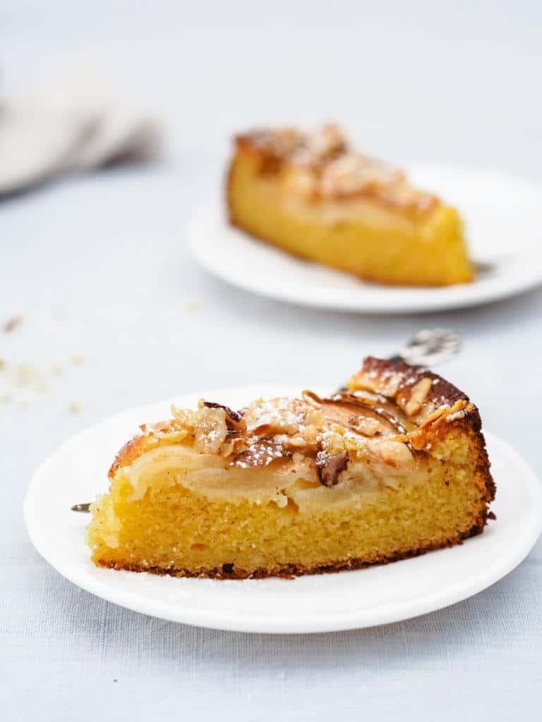 svampet kage med pære