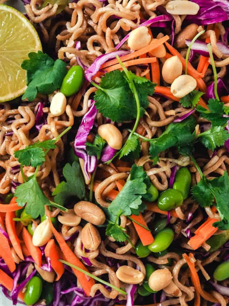 Asiatisk nudelsalat med lime og koriander