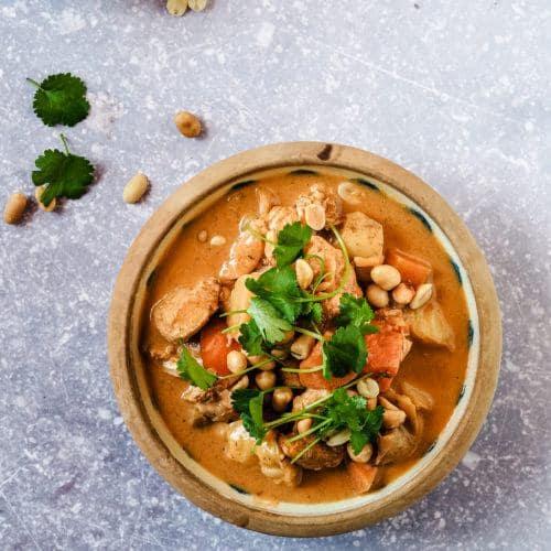 Opskrift på Massaman curry med kylling og kartofler