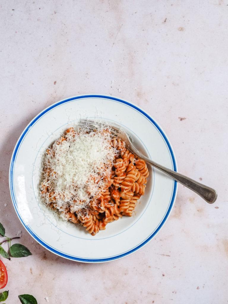 pasta med tomatsovs