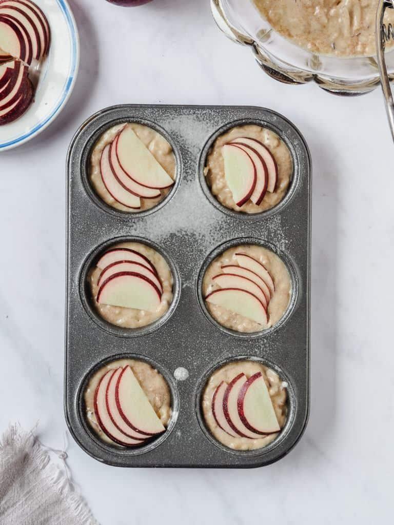 Æblemuffins med marcipan