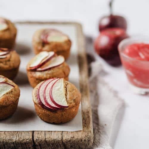 Æblemuffins med marcipan og æblesmør