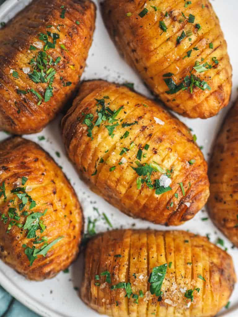 Hasselbagt eller hasselback kartoffel