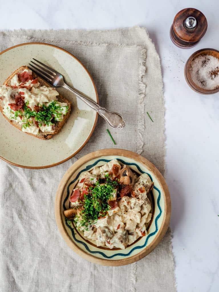 hønsesalat med champignon og aspargessnitter