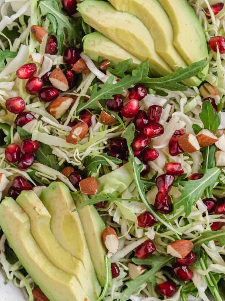 Salat med granatæble og avocado
