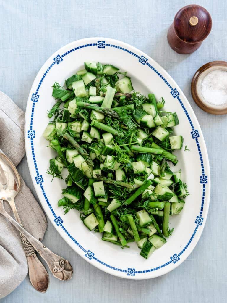 opskrift på salat med asparges