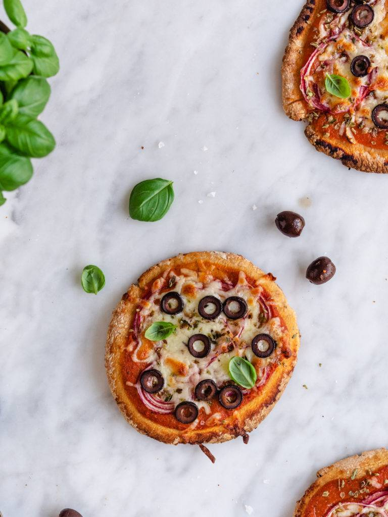 vegetarisk pita-pizzabrød