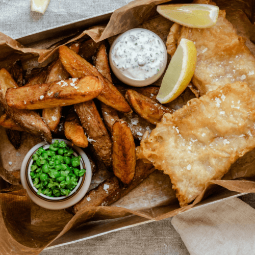 Fish and chips med sauce tatare