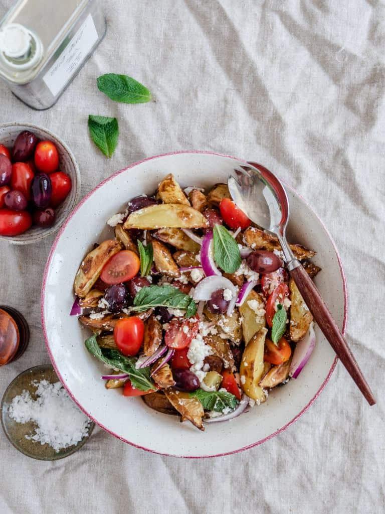 græsk inspireret salat med kartofler
