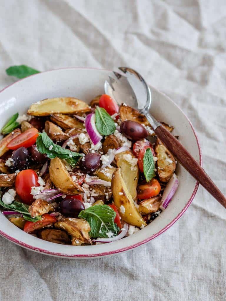 nem opskrift på græsk kartoffelsalat