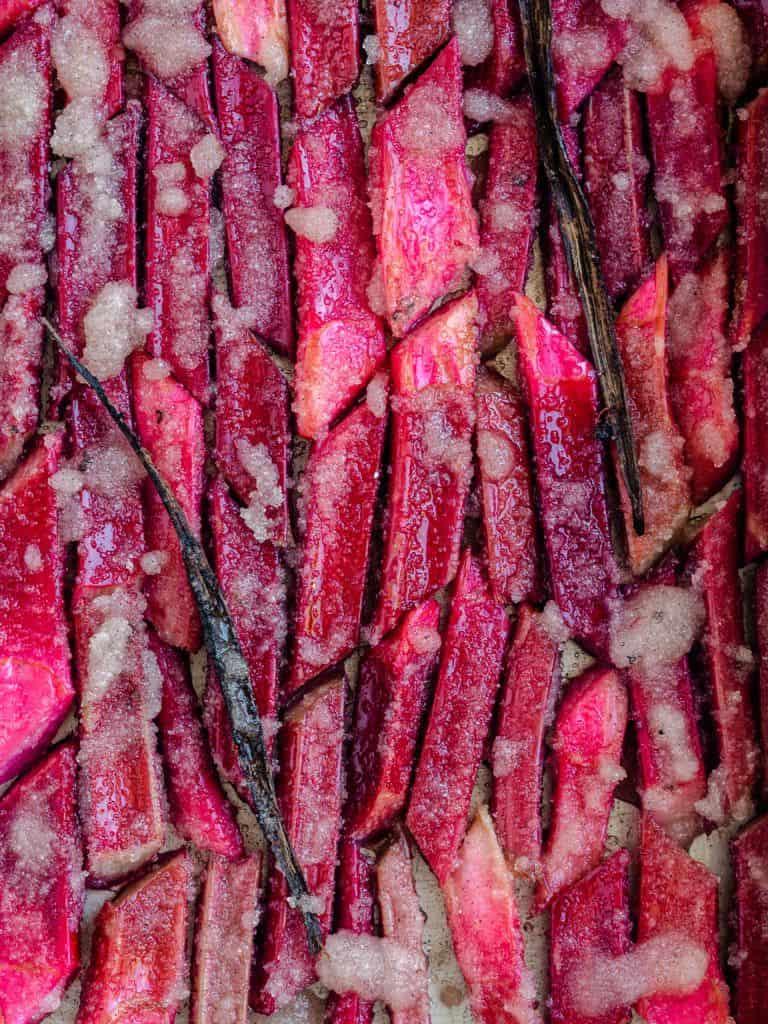 rabarber bagt med vaniljesukker