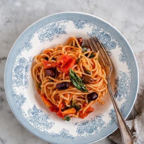 Opskrift på pasta alla Puttanesca