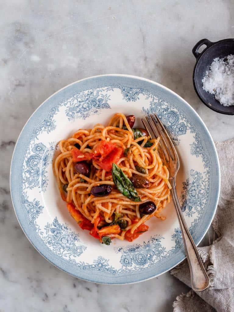 Opskrift på spaghetti alla Puttanesca