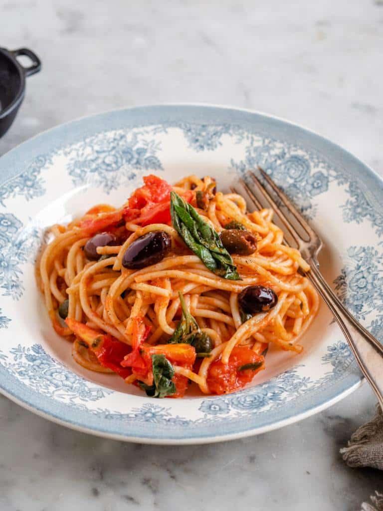 Spaghetti alla Puttanesca opskrift