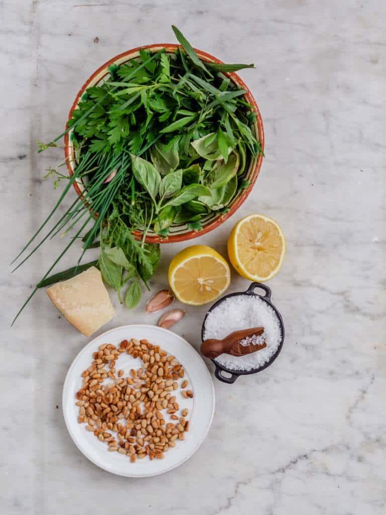 ingredienser til pesto til pasta pesto