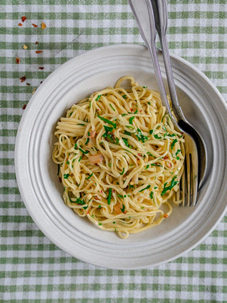 pasta med hvidløg og olie