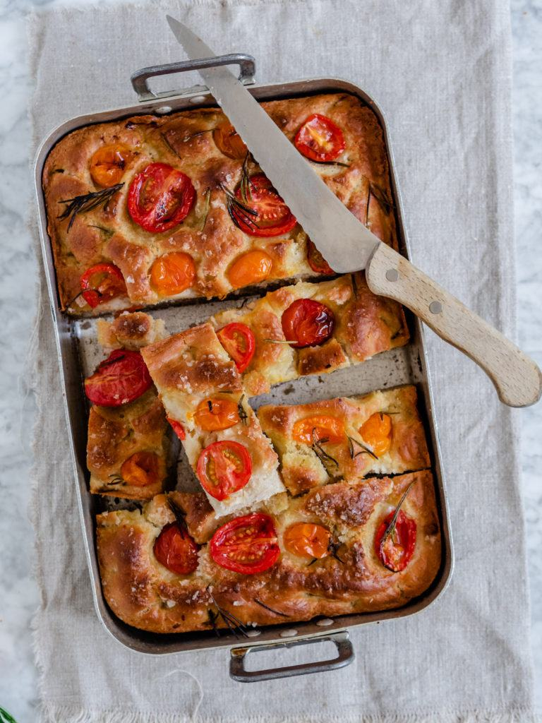 Foccacia med tomater
