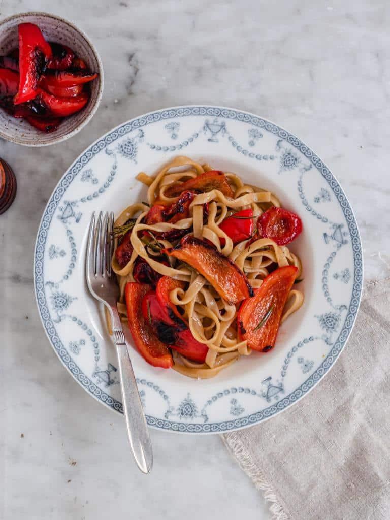 pasta med stegte peberfrugter