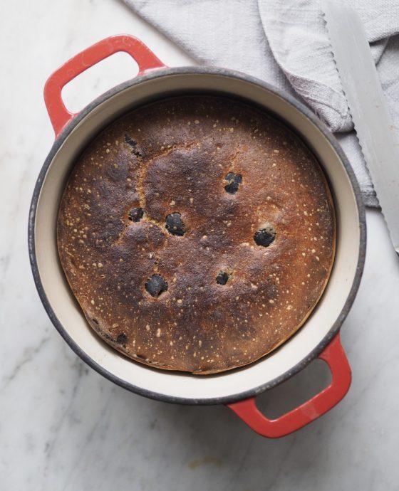 Grydebrød med manitoba hvedemel og oliven