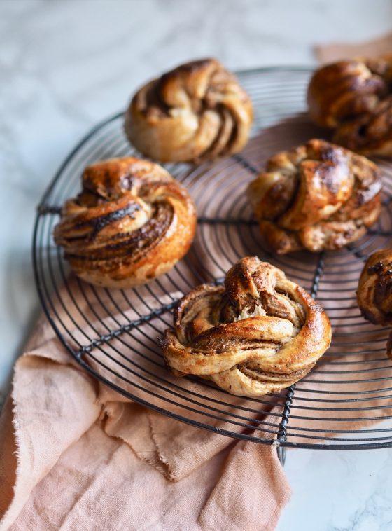 Kanelsnurrer uden raffineret sukker - sundere og snaskede